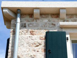Starinska kamena fasada