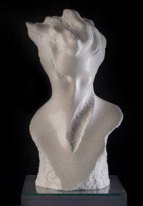 kamena skulptura portret bijeli brački kamen Lovre Jakšić