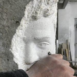 Portret u kamenu bijeli brački kamen